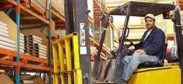 Řidič vysokozdvižného vozíku 7 tůn - jedna z nejžádanějších profesí